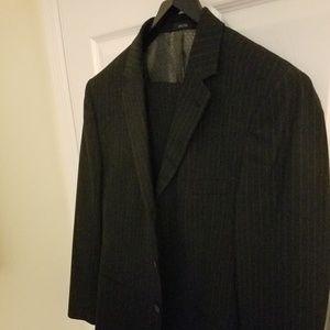 J. Ferrar Pin Stripe Suit / Size M / Pants 32x32